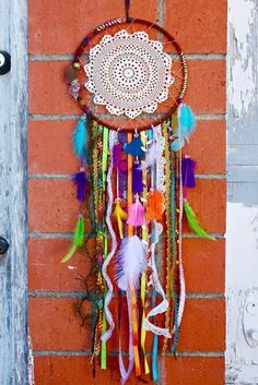 Hippie/Boho/Gypsy Dream Catchers  Good Morning !! Lets do some thing fun today Hippie/Boho/Gypsy Dream Catchers! These are easy and fun to make.. You can basically go with the flow •♥• just click the link !!    Here is a list of things you may want to gather  https://www.facebook.com/notes/hippie-hugs-with-love/hippiebohogypsy-dream-catchers/497714223645740