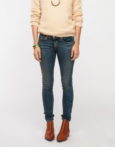 Skinny in August. I plan to look like this outfit all through fall. Just sayin.