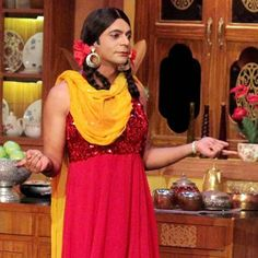 After much ado, celebrated comedian Sunil Grover finally makes a comeback on Comedy Nights with Kapil!