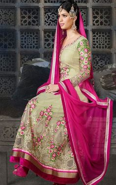 Tantalizing Cream Salwar Kameez