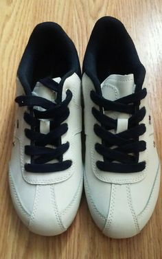 8849e36f0fa NEW Womens TOMMY HILFIGER Courtney  Shoes 5.5 White sneakers tennis sporty