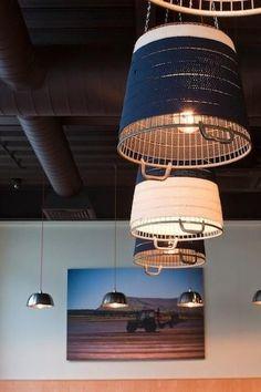 Luminárias com cestos.: