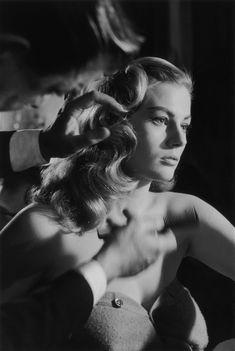 Anita Ekberg photographed by John Chillingworth  #style #icon #black&white