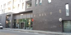 De voorgevel van Huis van het Kind Antwerpen-Centrum