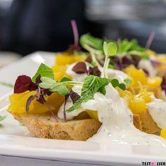Ich wünsche euch einen guten Start in die neue Woche! Wo esst ihr eigentlich euer Mittagessen? Habt ihr ein paar Geheimtipps für mich? Wünsche euch einen schönen Montag! #montag #wochenstart #mittagessen #foodgasm #foodpic #instafood #foodies #foodie #foodshot #foodstagram #instafood #photooftheday #picoftheday #testesser #graz #steiermark #austria #igersgraz #grazblogger #blogger_at #instagraz #grazerblogger