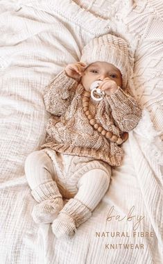 Winter Baby Clothes, Neutral Baby Clothes, Baby Girl Winter, Cute Baby Clothes, Baby Girl Clothing, Cute Baby Stuff, Winter Babies, Winter Newborn, Newborn Clothing