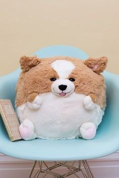 How about one of these adorable squishy and fluffy pillows? Available as a Corgi or a Pug, they're the most cuddly pillows you̵… Sewing Stuffed Animals, Cute Stuffed Animals, Home Decor Accessories, Decorative Accessories, Corgi Pug, Fat Corgi, Vintage Decor, Retro Vintage, Pug Pillow