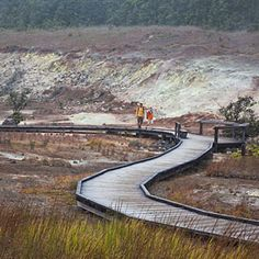 An easy boardwalk trail winds through Sulphur Banks to the Kilauea Caldera