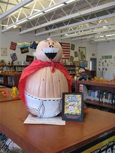 @Daïna Champoux Walker how cute is this? An elementary library pumpkin contest- with entry and prize info
