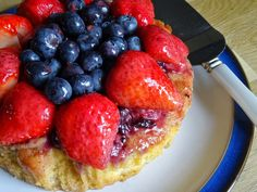 Farmersgirl Kitchen: Berrytastic Strawberry and Blueberry Cake  Note from Carole - fab - on my shortlist for a feature!