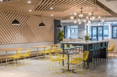 Beyond Science Offices - Shanghai - Office Snapshots Cafe Interior Design, Cafe Design, Interior Exterior, Design Design, Design Ideas, Office Break Room, Coffee Room, Page Layout Design, Café Bar