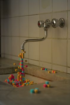 """This one is very similar to the water pixel art I also pinned but I enjoy the colors and and the """"splashes"""" on the counter Pixel Art, Instalation Art, 3d Camera, 8bit Art, Diy Inspiration, Typography Inspiration, Illustration Art, Illustrations, Oeuvre D'art"""