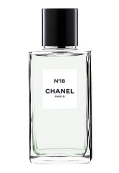 Chanel N°18 is surely the most unusual and daring among the Les Exclusifs fragrances.