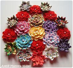 Broches de Flores de Feltro com Pétalas Bordadas e Efeito Tridimensional, Apliques de Dálias Vermelhas de Feltro e Chaveiros de Flores de Fuxico