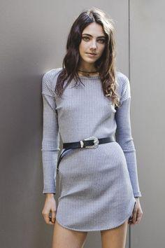 Picture of Amelia Zadro Grey Fashion, Womens Fashion, Fashion Trends, Amelia Zadro, Cute Girl Photo, Hot Brunette, Girl Photos, Gorgeous Women, Skirt Set