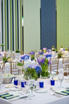 We love this sophisticated, elegant look created by Kehoe Design's Renee Price. Her color combinations and playful use of free-hanging fabric tapestries was a perfect fit for this Art Institute wedding.  http://KehoeDesigns.com