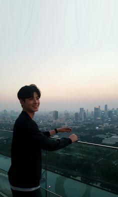 #chaeunwoo #astro #astrochaeunwoo #kdrama #koreanactor #koreansinger #kpop Cha Eun Woo, Cha Eunwoo Astro, Cute Panda Wallpaper, Wattpad Book Covers, Cute Asian Guys, Korean People, Belle Aesthetic, Asian Celebrities, This Is Love