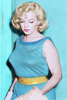 Marilyn Monroe color photo