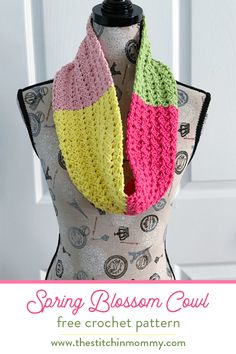 Spring Blossom Cowl - Free Crochet Pattern | Scarf of the Month Club hosted by The Stitchin