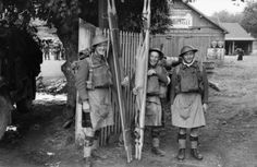 Stretcher bearers of the 1st Glasgow Highlanders, 52nd Lowland Division in France, 13 June 1940.