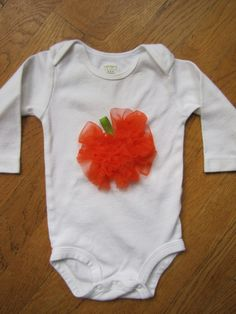 easy DIY ruffle pumpkin bodysuit or any other piece of clothing, table cloth or branch decoration
