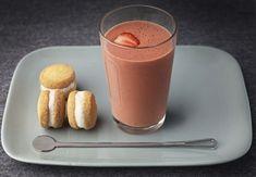 Smoothie de café y fresa y whoopie pies de yogurt helado