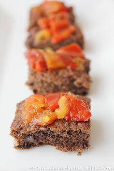 Brownie de morcilla y frutos secos con chutney de pimientos rojo. Paso a paso
