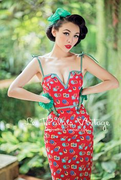 FREE SHIPPING Le Palais Vintage limited edition retro classic color dark red slim dress deep V-neck sheath spaghetti strap dress