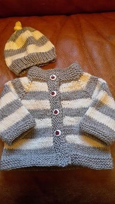 Ravelry: Simple Style Baby Cardigan and Hat pattern by Lion Brand Yarn Baby Boy Knitting Patterns, Baby Sweater Knitting Pattern, Knitted Baby Cardigan, Knit Baby Sweaters, Baby Hats Knitting, Baby Patterns, Knit Patterns, Knitting For Charity, Knitting For Kids