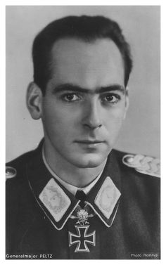 ✠ Dietrich Peltz (9 June 1914 - 10 August 2001) RK 14.10.1940 Oberleutnant Staffelkapitän 1./Stuka-Geschw 3 31.12.1941 [46. EL] Hauptmann Kdr II./KG 77 23.07.1943 [31. Sw] Oberst i.G. Inspekteur d. Kampf- und Stuka-Flieger, zugleich Angriffsführer England