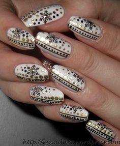 snowflakes with golden dots christmas nail - Pinterest Christmas Nails