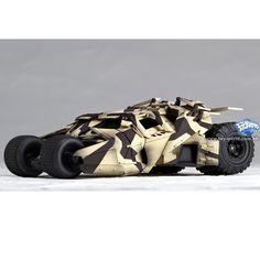 Sci-Fi Revoltech Batman The Dark Knight Tumbler Camouflage Articulated Vehicle
