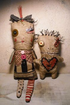 Junker Jane Dolls. I think I would scare people if I made these, but I do love them