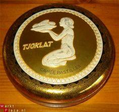 Jeugdsentiment: Tjoklat blikje. Hier zaten vroeger chocolaadjes in.