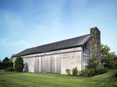 Artist's Residence and Studio - Sagaponack NY - Exterior photo of house - Selldorf Architects