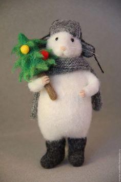 Игрушки животные, ручной работы. Ярмарка Мастеров - ручная работа. Купить Мышка с елкой. Handmade. Белый, мышка игрушка