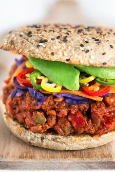 These delicious sloppy joes are vegan, super easy to make and require less than 30 minutes. I think they are the best sandwiches I Healthy Recepies, Delicious Vegan Recipes, Vegetarian Recipes, Cooking Recipes, Veg Recipes, Hamburgers, Vegan Sloppy Joes, Lowest Carb Bread Recipe, Healthy Recipes