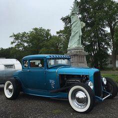 Pure Freedom #fuel32 @hotrodshopinbfe Visit fuel32.com to see more. #32ford #highboy #deuce #coupe #hamb #vintagecar #hopuplive #streetrod #hotrod #sema2016 #trog #handbuilt #customcar #roadsideamerica #roadsideattraction #hotrodding #roadtrip #roadsideusa #modelacoupe