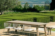 Eigentijds outdoor - Aluminium stoelen en teak tuintafel - Contemporary country - Teak garden table - M&L - #WoonTheater