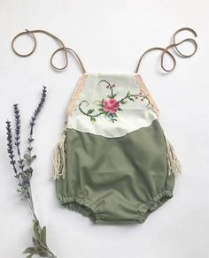 Diy baby romper lace etsy Ideas for 2019 Baby Outfits, Kids Outfits, Boho Baby Clothes, Baby Kids Clothes, Handmade Baby Clothes, Boho Baby Kleidung, Baby Girl Fashion, Kids Fashion, Estilo Boho Chic