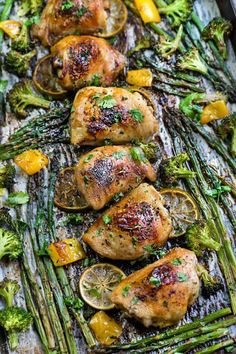Honey Lime Chicken Sheet Pan - perfect easy dinner recipe for busy weeknights. Best of all, made in just ONE pan.Great for meal prepping work lunch bowls