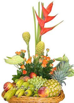 Spring Flower Arrangements, Edible Arrangements, Beautiful Flower Arrangements, Spring Flowers, Beautiful Flowers, Deco Floral, Arte Floral, Floral Design, Fruit Hampers