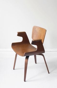 Michael Thonet walnut bentwood sculptural arm chair 1950s