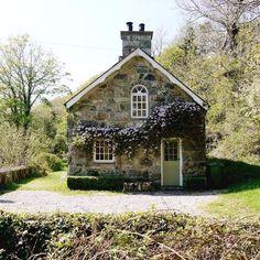 Stone cottage, Provence