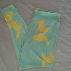 LuLaRoe TC Cat leggings Brand New. Not my size. Mint with yellow cats. LuLaRoe Pants Leggings