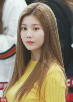 𝚏𝚘𝚕𝚕𝚘𝚠 𝚖𝚎 𝚏𝚘𝚛 𝚖𝚘𝚛𝚎 ©satanjeongyeon Girls 4, Kpop Girls, Pre Debut, Kim Min, Korean Celebrities, My Princess, Korean Girl Groups, Asian Beauty, Asian Girl