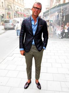 A sportcoat, blue shirt and chinos. Its all you need