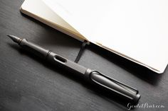 This fountain pen is ideal for hard work! The Lamy Safari Charcoal has a triangular grip section for comfort during long writing sessions. Pin for later!