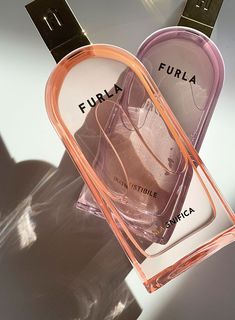 Furla Since 1927 Italy Eau de Parfums: Duft Review auf Hey Pretty Beauty Blog (Magnifica und Irresistibile) Furla, Random Stuff, Highlights, Perfume Bottles, German, Skincare, Hair Beauty, Make Up, Italy