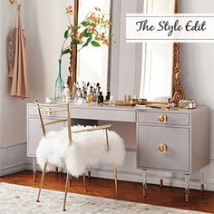 Gorgeous dressing table and oversized mirror